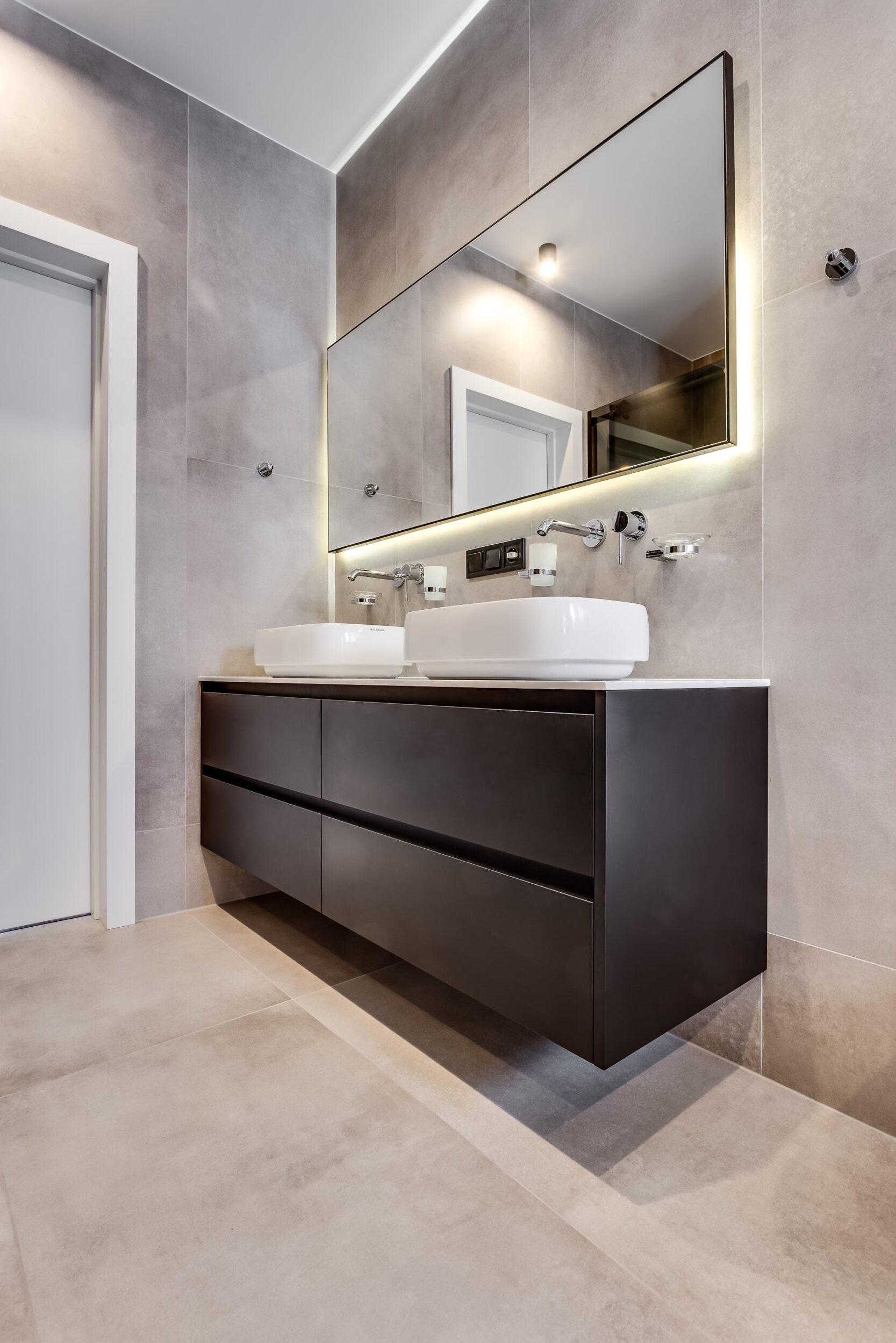 Bathroom MDF & Tristone 525