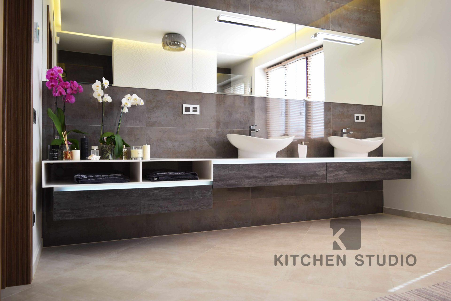 Bathroom Alvic