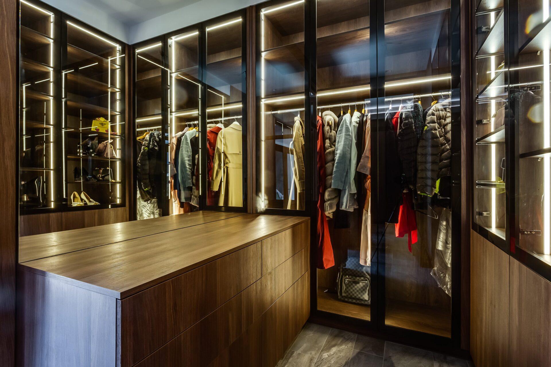 Wardrobe Cleaf & Egger